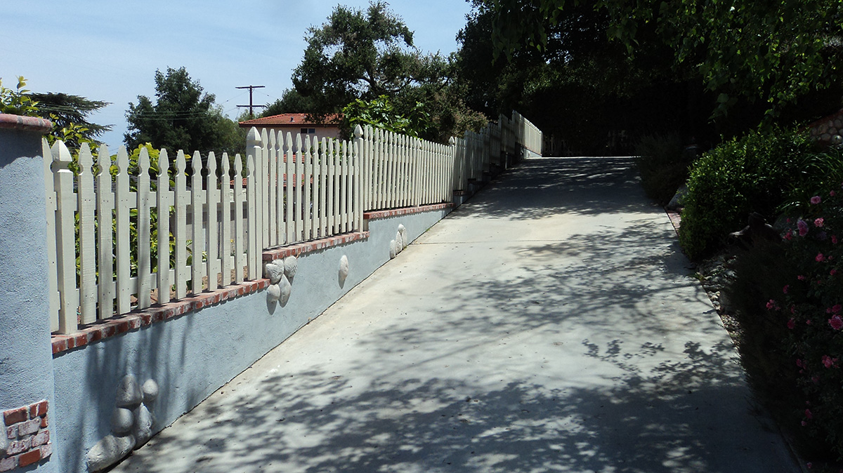 Paved driveway in ventura county california home