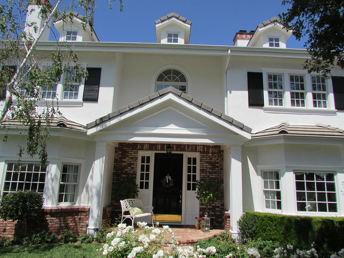 Colonial style homes of southern california